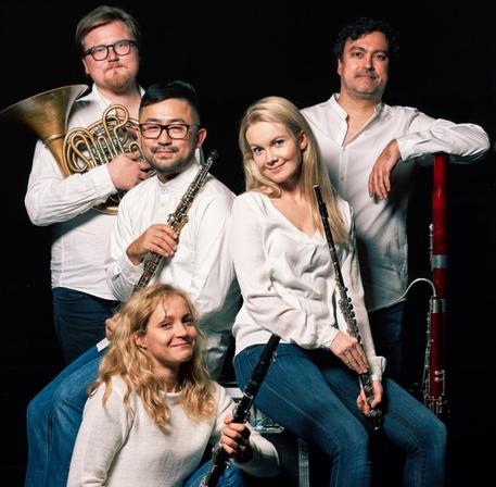 Kvintetti 60°- Maansyleily